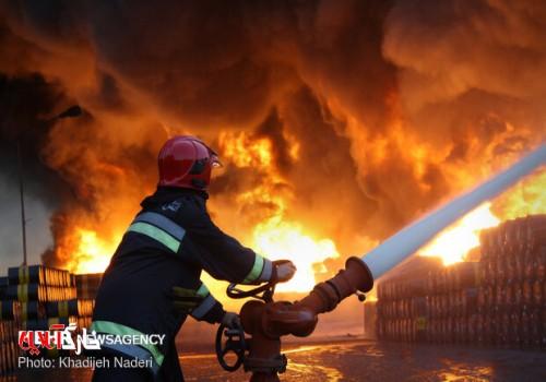 آتشسوزی در پتروشیمی خارگ مهار شد