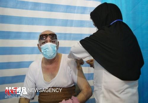 روزانه ۱۰ هزار نفر در استان بوشهر واکسن کرونا دریافت میکنند