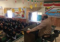 نشست بصیرتی انقلابی به مناسبت دهه مبارک فجر توسط مهندس میرزایی در مدرسه کوثر