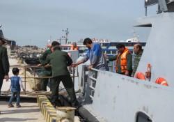 سبز پوشان سپاه ناجی تردد دریایی در مسیر خارگ به بوشهر شدند