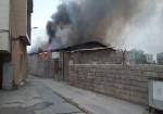 یک کارگاه مبل سازی بهمراه یک منزل مسکونی در جزیره خارگ طعمه آتش شد+تصویر